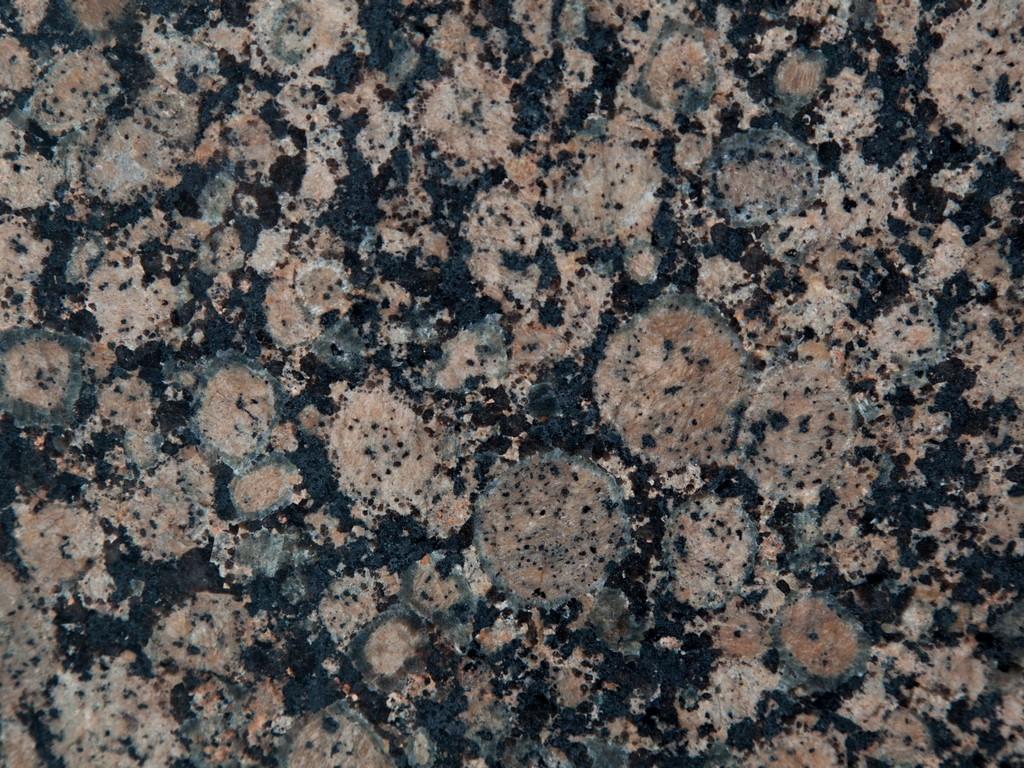 scopri il granito baltic brown di cianciullo marmi. Black Bedroom Furniture Sets. Home Design Ideas